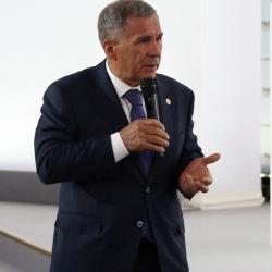 Минниханов в Давосе примет участие во Всемирном экономическом форуме