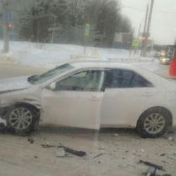 В Казани столкнулись три легковушки и пассажирский автобус (ФОТО)