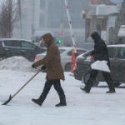 Казань в плену снега: город встал в заторах, а впереди — неутешительные прогнозы
