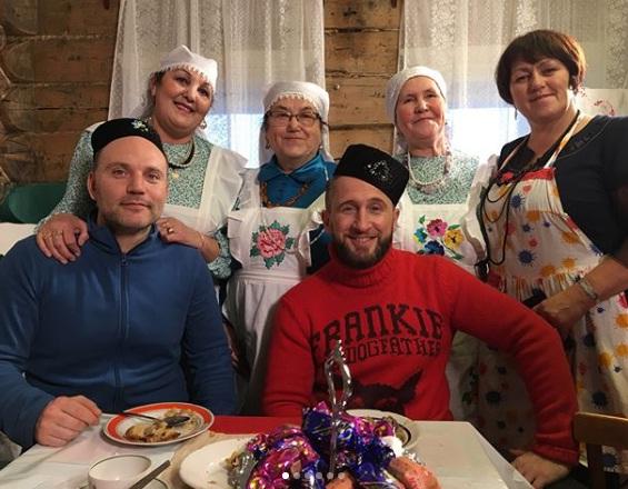 Российский актёр Оскар Кучера и американский гурман Глен Куцовский побывали в Лаишевском районе (ФОТО)