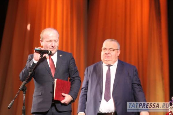 В театре Камала с аншлагом прошел юбилейного вечер народного артиста Рината Тазетдинова (ФОТО)