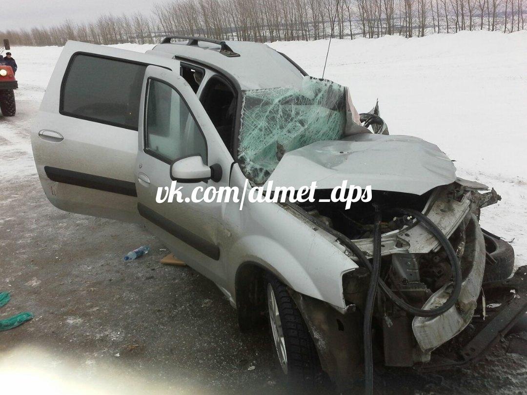 Смертельное ДТП: в Татарстане столкнулись Ларгус и автобус ПАЗ (ФОТО, ВИДЕО))