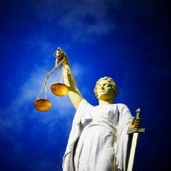 Следком попросил возбудить уголовные дела на двух судей Казани