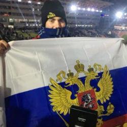 Болельщик из США развернул российский флаг на церемонии открытия Олимпиады