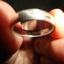 Каждому пришлось объяснять, почему свадьба откладывается: не тащить же ее насильно под венец