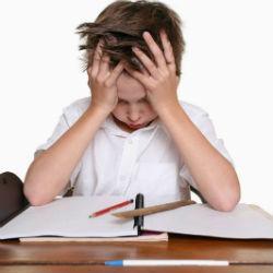 Почти половина школьников испытывает стресс из-за плохих оценок