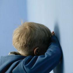 В Татарстане госпитализирован 2-летний мальчик, которого пытался задушить отец