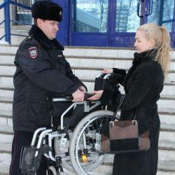 Полицейские Набережных Челнов вернули владелице украденное инвалидное кресло