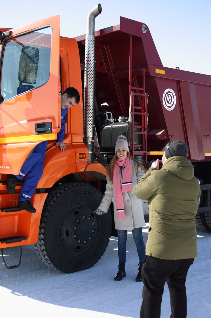 Экс-участница «Дом-2» приехала в Челны ради работы на «КАМАЗе» (ФОТО)