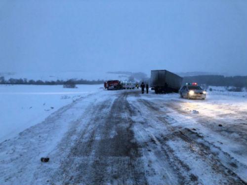 Женщина и двое детей погибли в ДТП в Башкирии с участием водителя из Татарстана