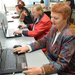 65 тысяч российских пенсионеров прошли обучение по программе «Азбука Интернета»