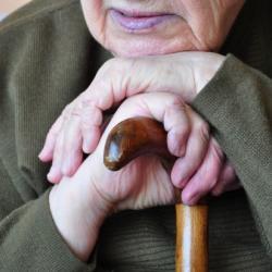 Мошенники пытались выманить деньги у двух пенсионеров из Казани