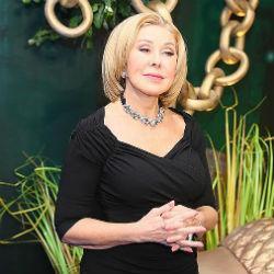 Певицу Любовь Успенскую сняли с рейса за дебош на борту самолета