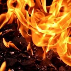 В Мензелинске на пожаре погиб мужчина, его 92-летнюю мать спасли огнеборцы