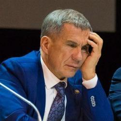 Минниханов изучит декларации о доходах чиновников Татарстана