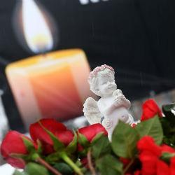 Одиннадцатилетний мальчик узнал, что потерял семью при пожаре в Кемерово