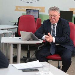 Рафис Бурганов высказался против телефонов в школах