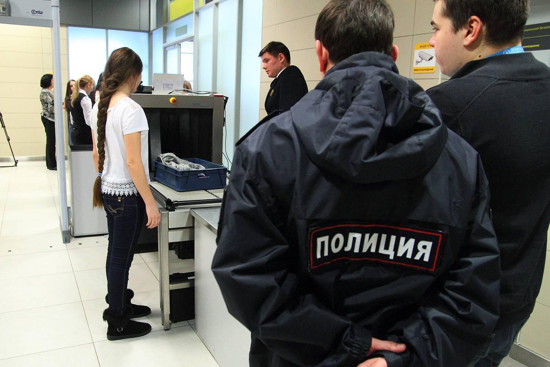 Приставы не выпустят за границу на майские праздники 76 тысяч татарстанцев