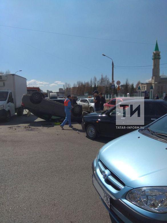 В аварии у мечети на Мусина пострадали взрослый и ребенок (ФОТО)