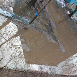 Почти Венеция: казанские дворы утопают в талых водах (ВИДЕО)