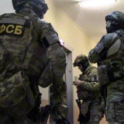 Полицейского в Татарстане взяли на взятке 100 тысяч долларов
