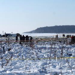 МЧС начало повторные поиски погибших на месте крушения Ан-148. Родственники нашли там части тел