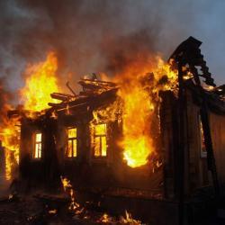 В Татарстане женщина спалила дом своих родственников ради страховки