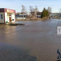 51 человек в деревне Чиреево Апастовского района РТ оказались в водном плену