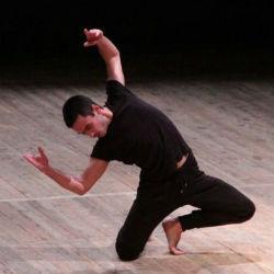 Нурбек Батулла получил «Золотую маску» за роль с спектакле «Алиф» (ВИДЕО)