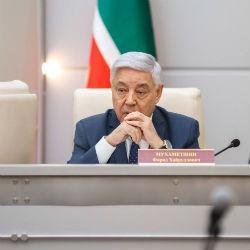 Мухаметшин назвал открытым вопрос изучения татарского языка в республике