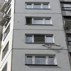 Выкинувшему ребенка в окно мужчине грозит 15 лет колонии