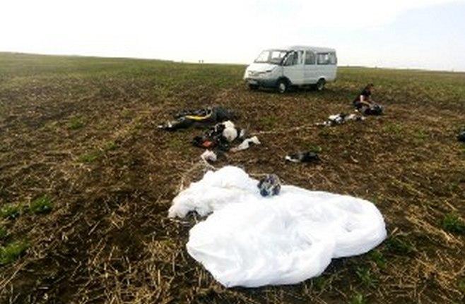 Появились ФОТО с места гибели парашютистов в Татарстане