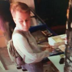 После публикации записей видеонаблюдения предполагаемый педофил сам пришёл к следователям