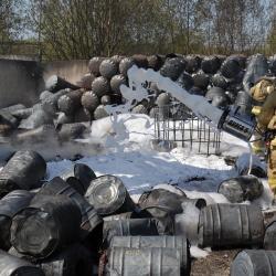 В Казани выясняют причины и ущерб от пожара на территории ЖБИ-3 (ФОТО, ВИДЕО)