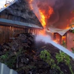 В Лаишевском районе сгорело целое хозяйство, погиб человек