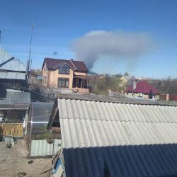 Под Агрызом на военных складах взрываются боеприпасы