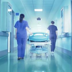 Трижды отказали в госпитализации. В Татарстане возбуждено дело после смерти девушки