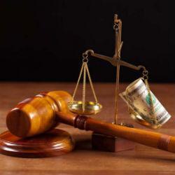 Челнинцы для подкупа судьи выманили у коллеги 625 тысяч рублей