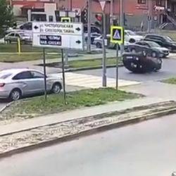 Появилось ВИДЕО аварии на пересечении улиц Чистопольская и Меридианная в Казани