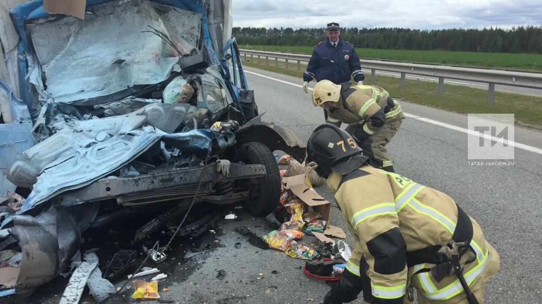 В Елабуге при столкновении с грузовиком погиб водитель «ГАЗели» с чипсами (ФОТО)