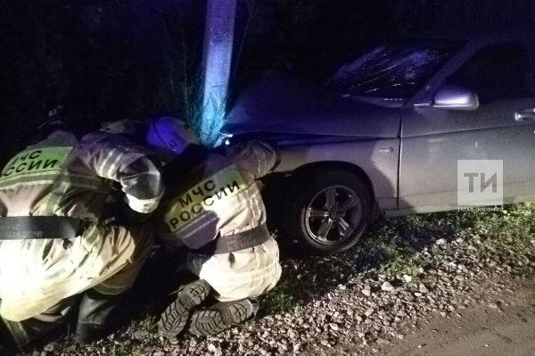 В Нижнекамске из-за врезавшегося в столб пьяного водителя пострадал ребенок (ФОТО)