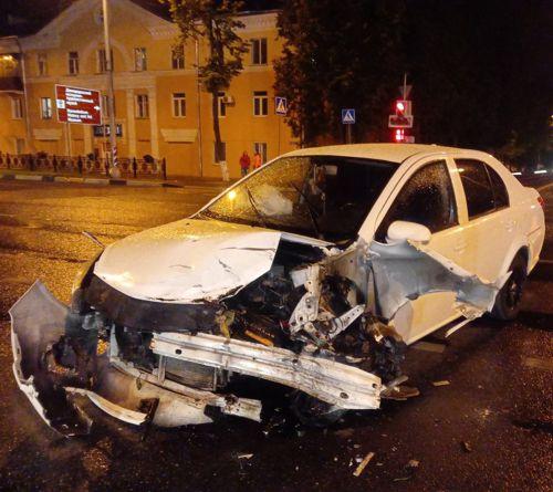 Автоледи из Татарстана, сбившая трех парней, ехала на красный (ФОТО, ВИДЕО)