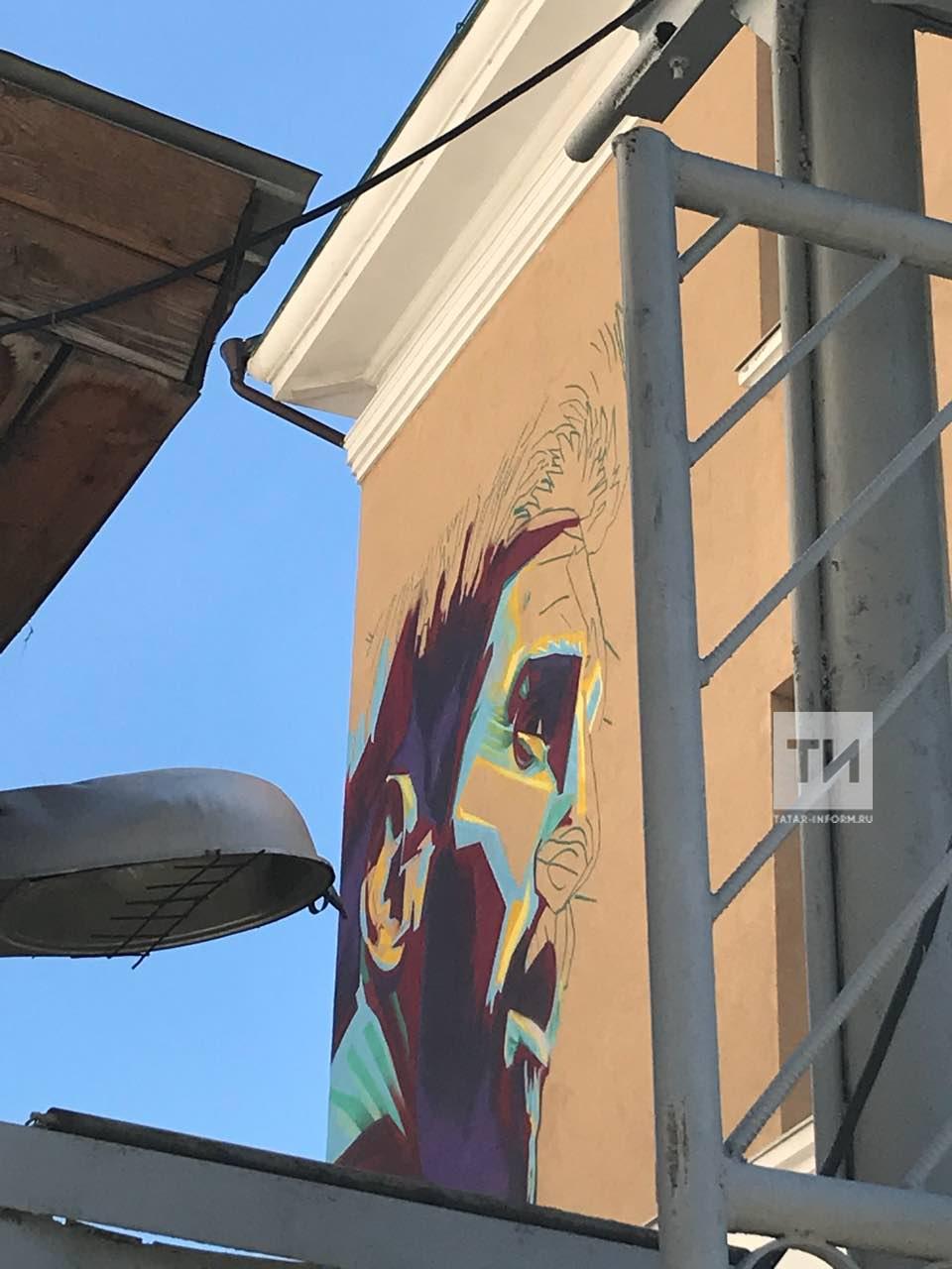 В Казани начали рисовать граффити с изображением Лионеля Месси (ФОТО)
