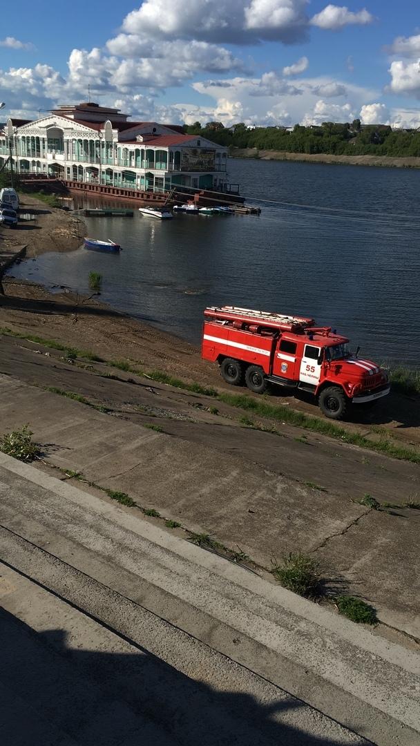В Набережных Челнах автомобиль скатился в реку (ФОТО)