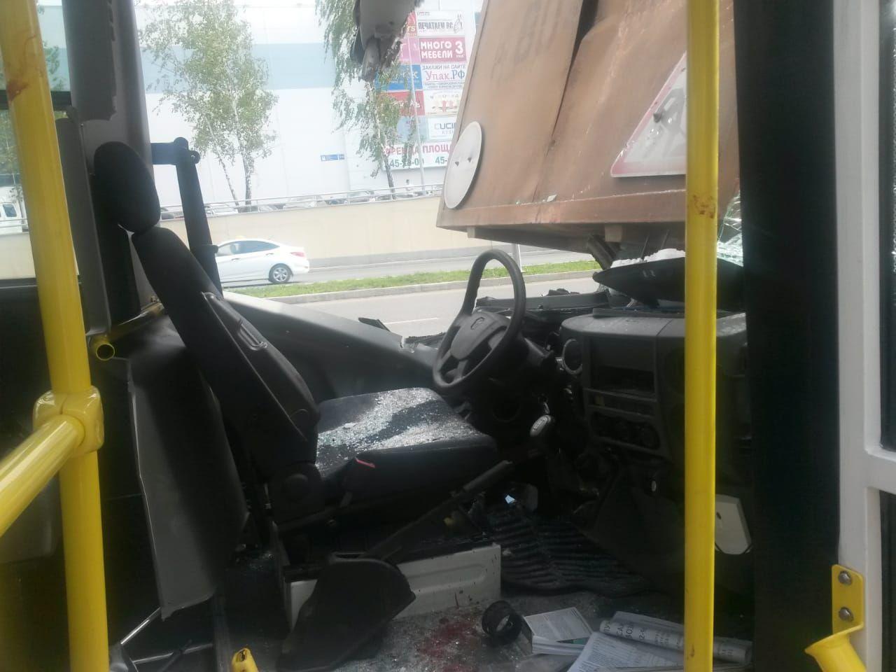 Шесть человек пострадали при столкновении «Газели» с «КАМАЗом» в Челнах (ФОТО)