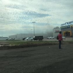 В Казани горит ТЦ