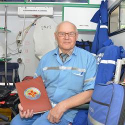 Секреты здоровья и работоспособности 71-летнего врача «скорой» Челнов