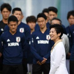 Японская принцесса стала личным фотографом футболистов в Казани