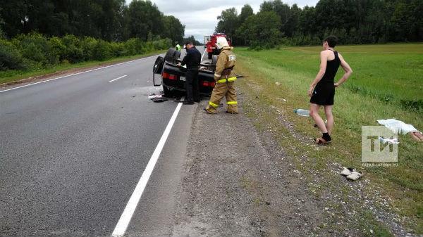 В Актанышском районе три человека пострадали и один погиб в  ДТП с фурой (ФОТО)