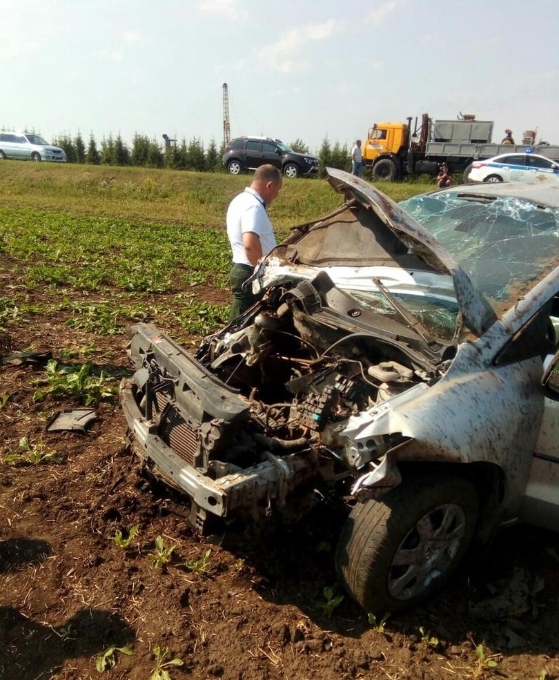 Женщина погибла в ДТП под Челнами на глазах дочери (ФОТО, ВИДЕО)